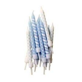 lyseblå-lagkagelys-med-striber-prikker