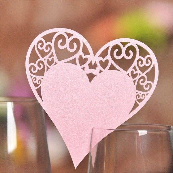 Bordkort til glas lyserødt hjerte med topmønster